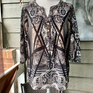 Fig and Flower Peasant Top w/3/4L Sleeves. Size S